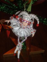 krinkles josie joker of hearts ornament