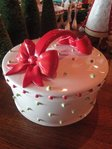 krinkles dressed up cake plate dome
